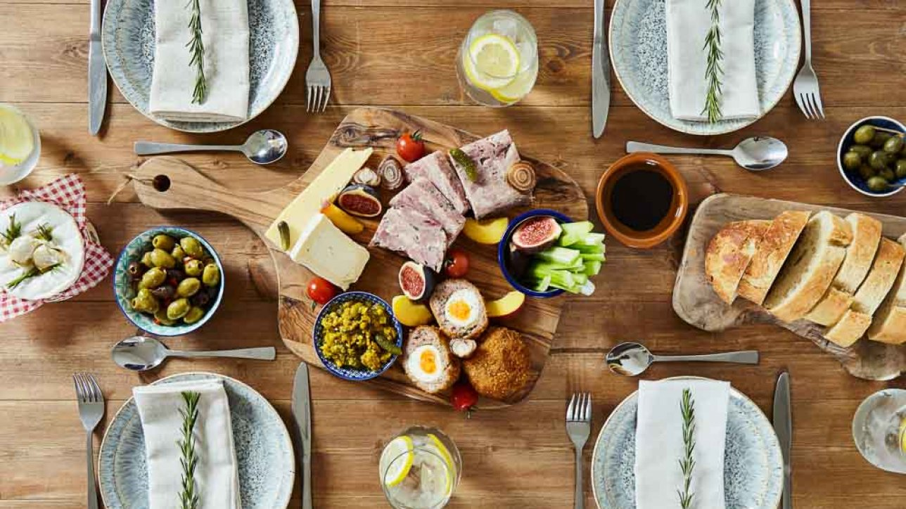 Alternative wedding catering - ideas from Hall and Co - ploughmans platter