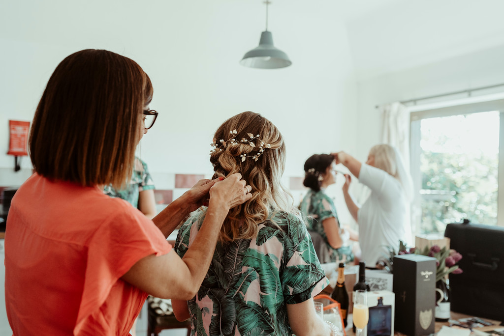 Jenny and Charlie Caribbean themed wedding - Bridal party preparations - photography by Jess Soper Photogaphy, videography by Veiled Productions